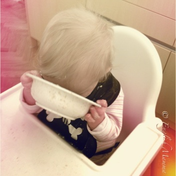 An English Mamma in Stockholm: baby self feeding porridge