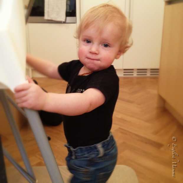 An English Mamma in Stockholm: standing baby reasons to be cheerful