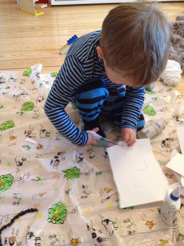 An English Mamma in Stockholm: toddler crafting cutting making