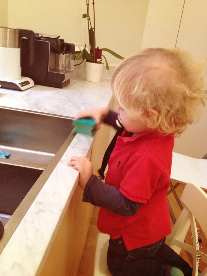 An English Mamma in Stockholm: toddler cleaning kitchen